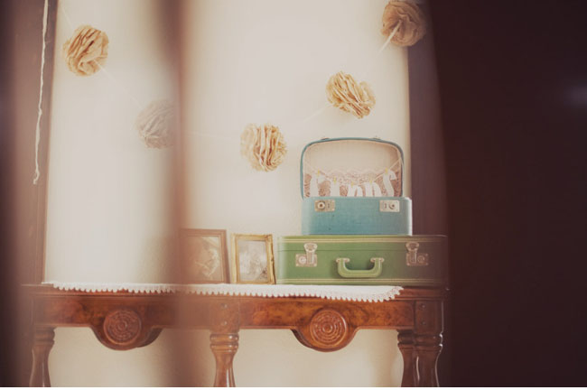 suitcase wedding cards table